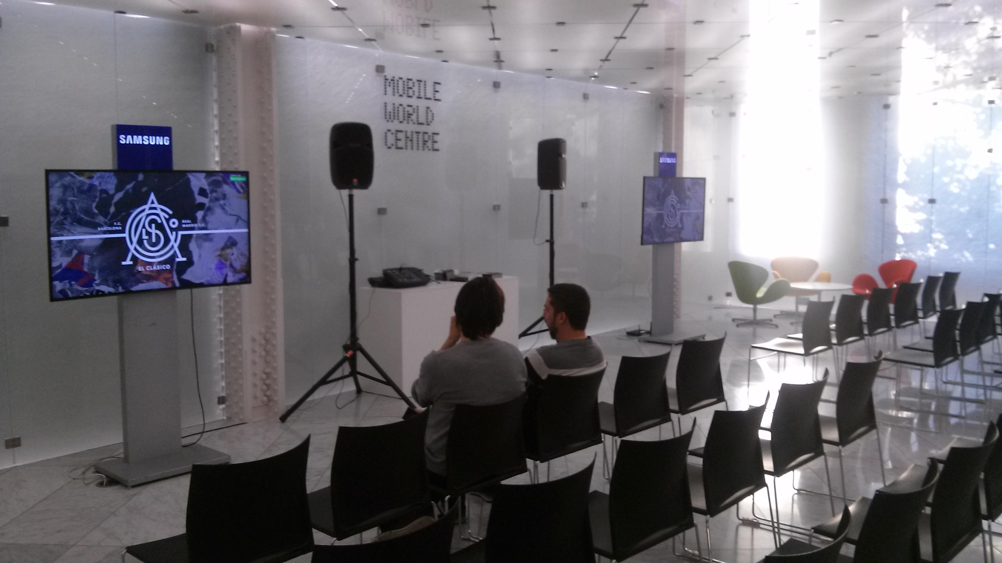 El Mobile World Centre acogió la prueba de consumo de fútbol en VR / GERARD MATEO
