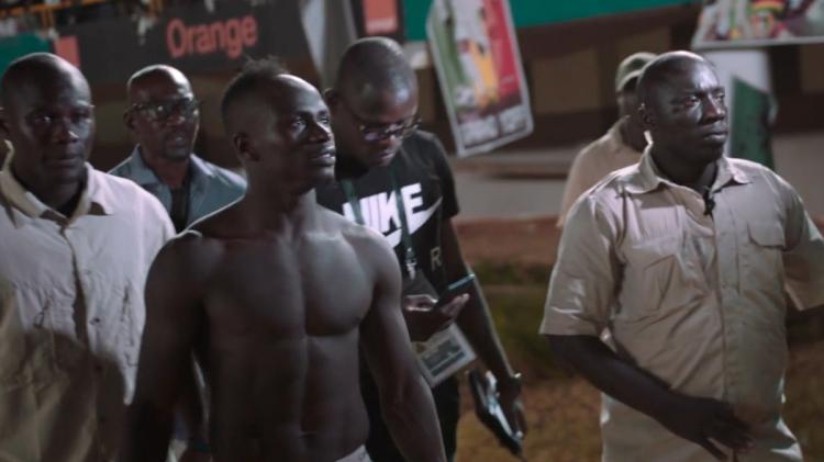 Sadio Mané después de un partido con Senegal