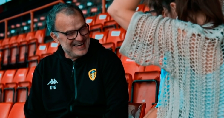 Marcelo Bielsa, técnico del Leeds United / TAKE US HOME