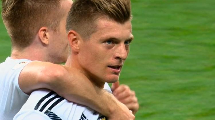 Toni Kroos con Alemania / 'KROOS'