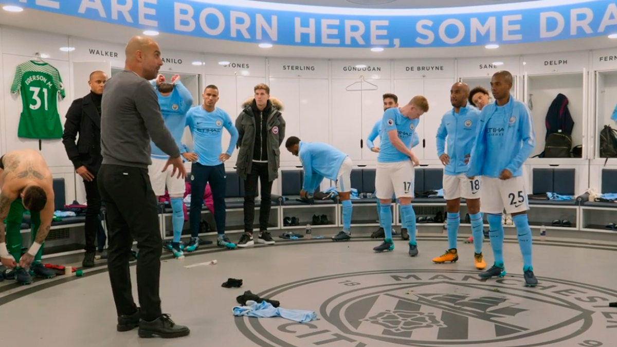 Guardiola da una charla en el vestuario del Manchester City / 'ALL OR NOTHING: MANCHESTER CITY'
