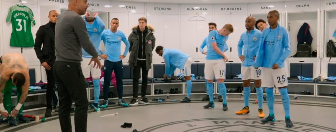 Guardiola da una charla en el vestuario del Manchester City / 'ALL OR NOTHING: MANCHESTER CITY'