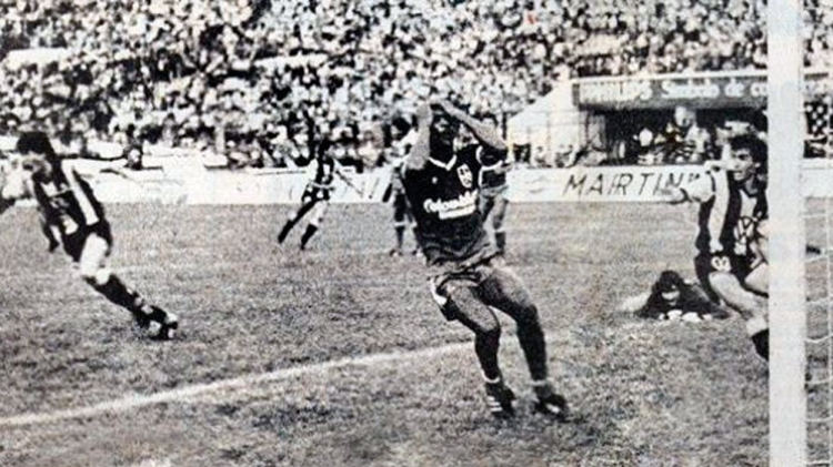 América de Cali pierde su tercera final de la Copa Libertadores en 1987 a falta de ocho segundos del tiempo de prórroga / AMÉRICA DE CALI