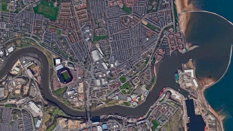 El estadio del Sunderland, en la desembocadura del río Wear / GOOGLE MAPS
